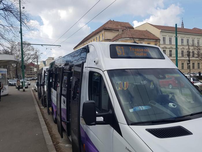transport școlar