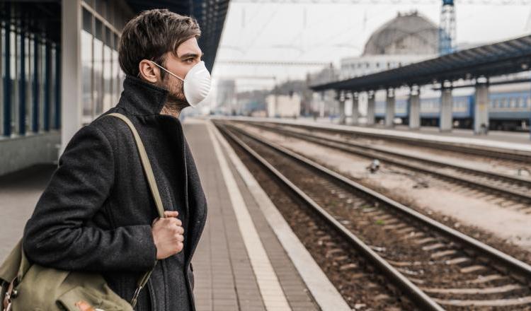 CORONAVIRUS. Țara europeană în care măștile vor deveni obligatorii chiar și pe stradă