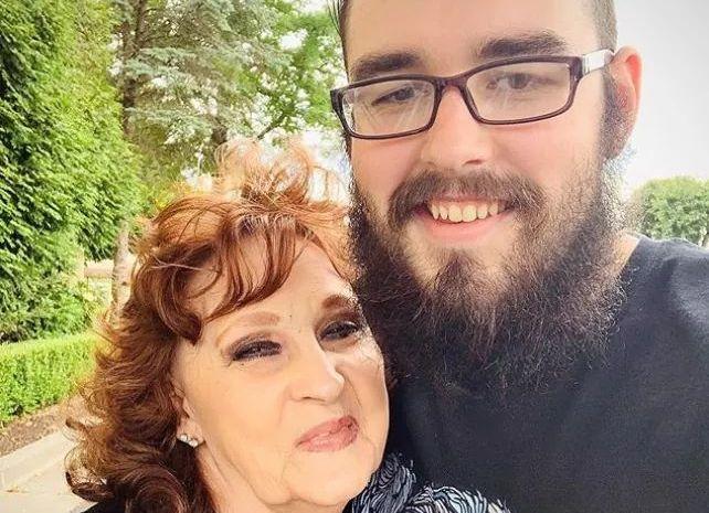 S-a căsătorit la 17 ani cu o bătrână de 71. Drama trăită de tânăr după cinci ani de relație