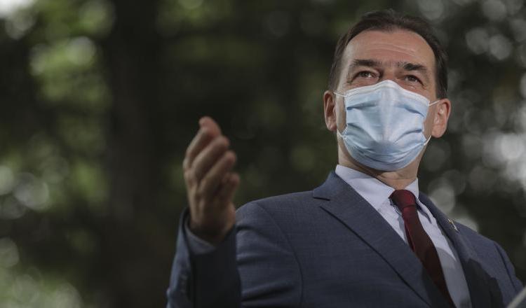 """Înainte de weekend, premierul Ludovic Orban îi sfătuiește pe turiști """"să se protejeze"""""""