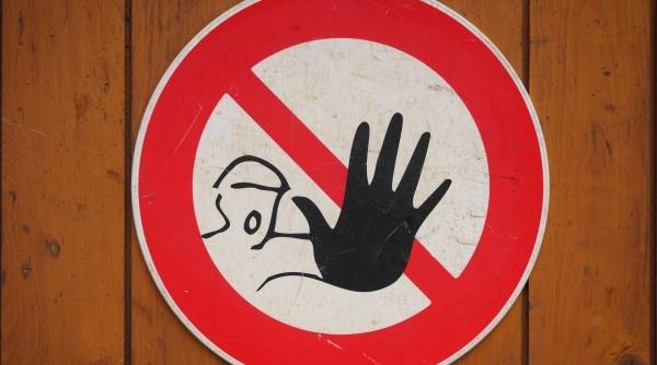 Europenii pun STOP vacanțelor românilor! Unde nu avem voie să călătorim și ce reguli trebuie să respectăm