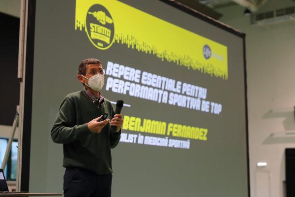 Dr Benjamin Fernandez a venit în premieră în România pentru a susține un curs dedicat jucătorilor și staff-ului tehnic U16 a CSU Știința București