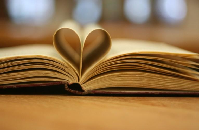 """""""Sunt două lucruri esențiale care te vor face înțelept – cărțile pe care le citești și oamenii pe care-i întâlnești"""" – Jack Canfield"""