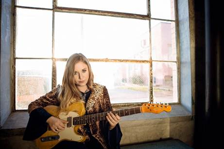 """Joanne Shaw Taylor releases her latest music video for """"The Best Thing"""""""