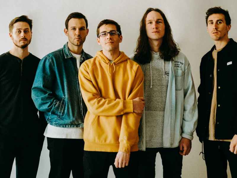 "ALBUM REVIEW: ""20/20"" by Knuckle Puck showcases similar yet evolved tendencies for a great third record"
