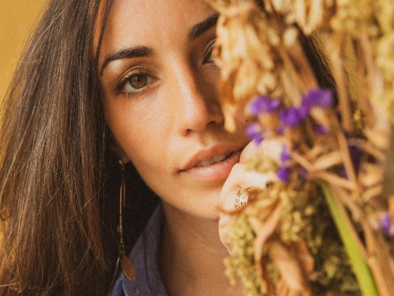 Juliana Riccardi releases sophomore EP 'Full Cup'