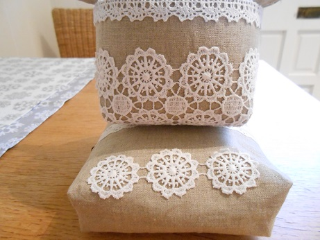 linen-and-lace-basket-and-pouch-4