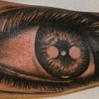 Stitchpit-Tattoo-Hamburg-10118-eye-realistic
