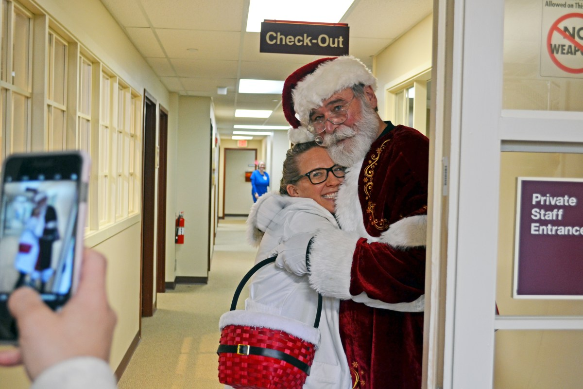 Santa Returns to St. Joe's Ann Arbor Cancer Center