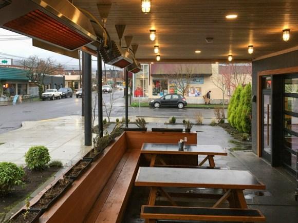 Gabagool-Itailian-dining-patio