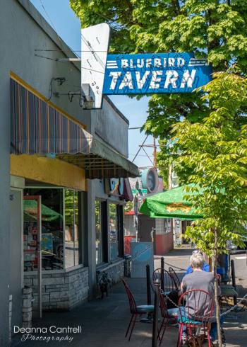 Blue-Bird-Tavern-exterior