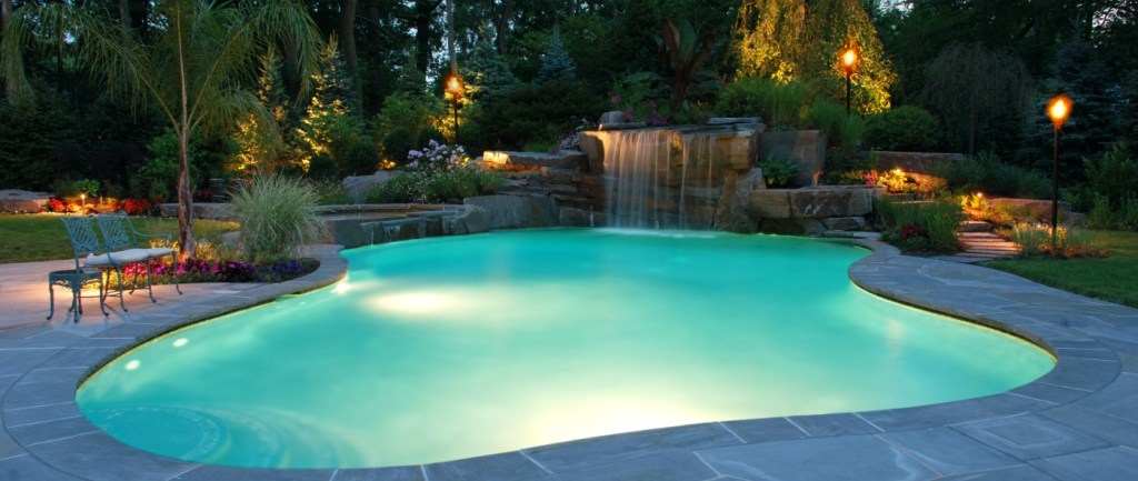 Crystal Clear fiberglass Pool Canada