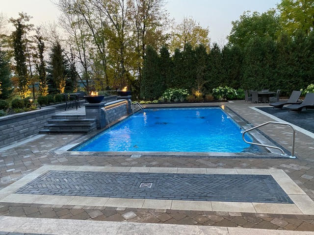 In-ground pool with Fox Vinyl