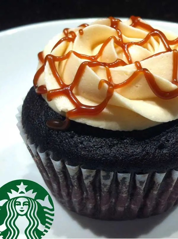 My absolute favorite drink from Starbucks turned into a cupcake! ThisCaramel Macchiato Cupcakes is a dream come true.