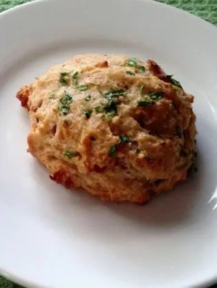 Maple Bacon Cheddar Garlic Biscuits – Ruby Tuesday Copycat
