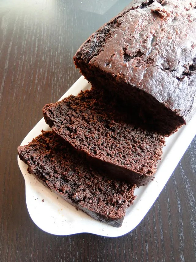 Recipe for Chocolate Banana Cake - This cake is amazingly delicious, with a deep chocolate flavor, and the perfect way to use up over-ripe bananas.
