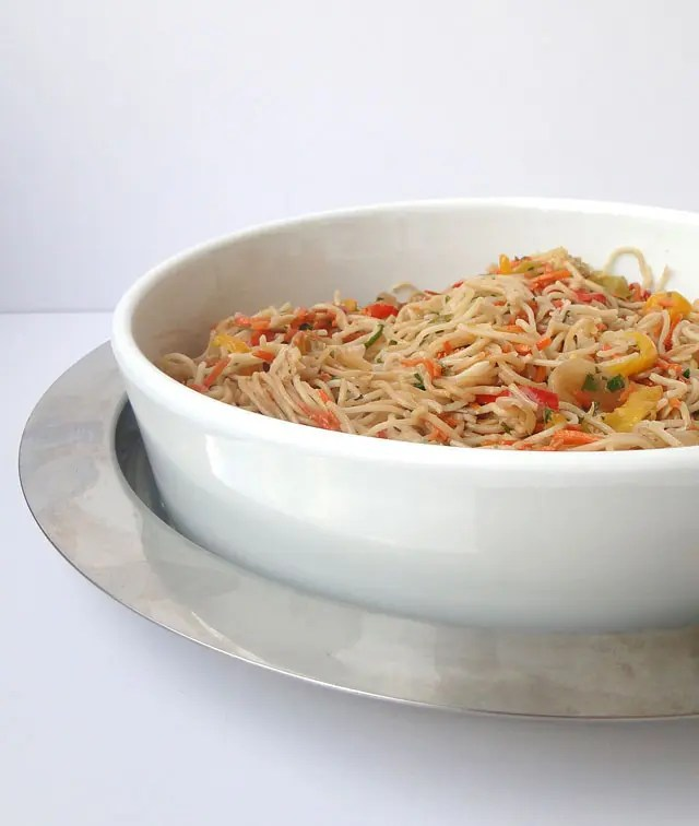 stir-fried_noodles_and_chicken