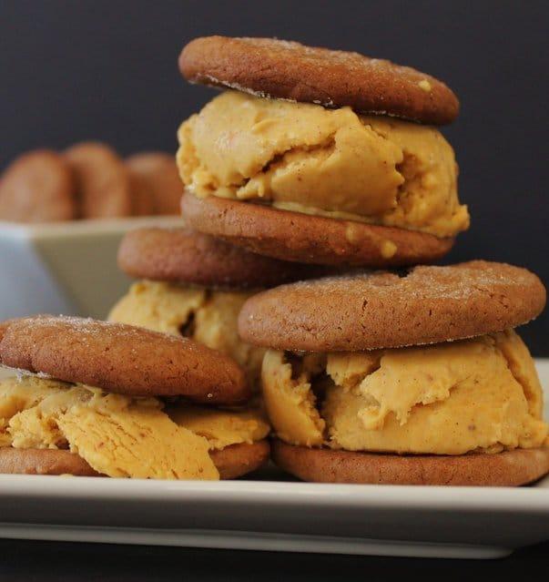 Pumpkin_ice_cream_sandwiches