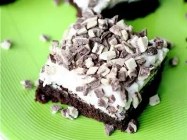 These Chocolate Mint Brownies are thick, fudge-y and exactly what a brownies should be. And then you top them with mint frosting—AMAZING.