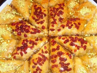 Recipe for Baklava Christmas Star With Pistachio and Dried Cranberries