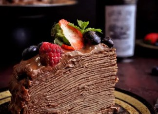 The best thing about this Crepe Cake is that it is not very heavy and rich, unlike the traditional birthday cakes that are loaded with buttercream, and neither is it overwhelmingly sweet. I loaded it with berries hoping that it would give it a nice touch!!