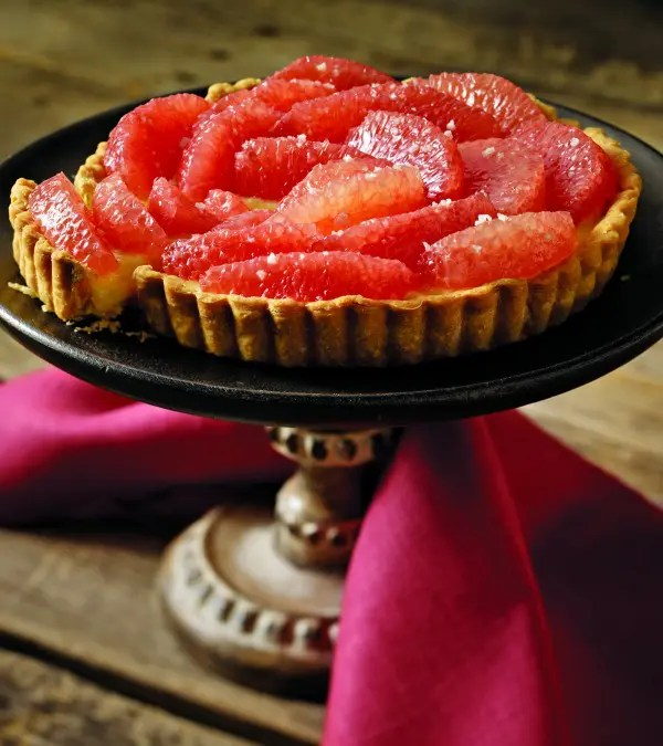 Recipe for Grapefruit Tart with Cardamom Cream