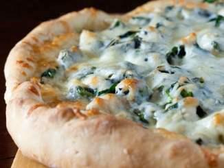 Recipe for Easy and Delicious White Chicken Pizza