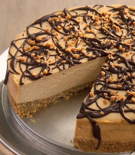 Chocolate Drizzled Peanut Butter Cheesecake