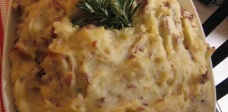 Fortunate are those who can snip fresh rosemary from their backyard herb gardens. These Garlic Rosemary Mashed Potatoes are made richer and more delicious with satisfying garlic and Parmesan cheese.
