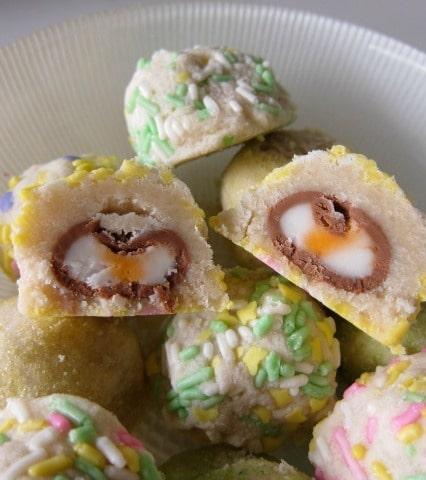 Cadbury_Cream_Egg_Surprise_Cookies