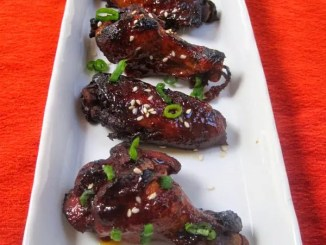 Recipe for Crockpot Honey Sriracha Chicken Wings