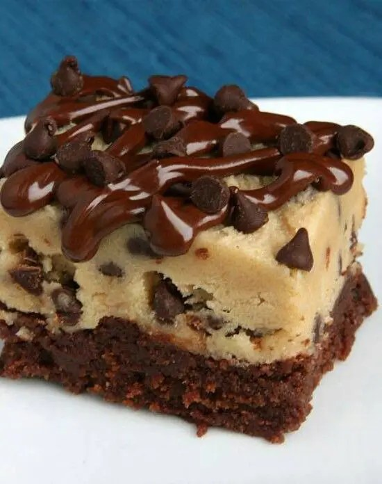 Combine a layer of fudgy brownie topped with chocolate chip cookie dough, and you get these Chocolate Chip Cookie Dough Brownies. The ultimate dessert that will have them all begging for more.
