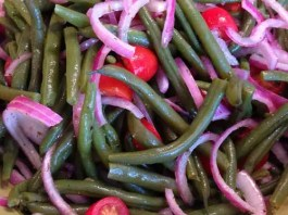 Recipe for Summer Green Bean and Tomato Salad - Simple to make, great color, delicious vinaigrette and served chilled! A perfect summer salad.