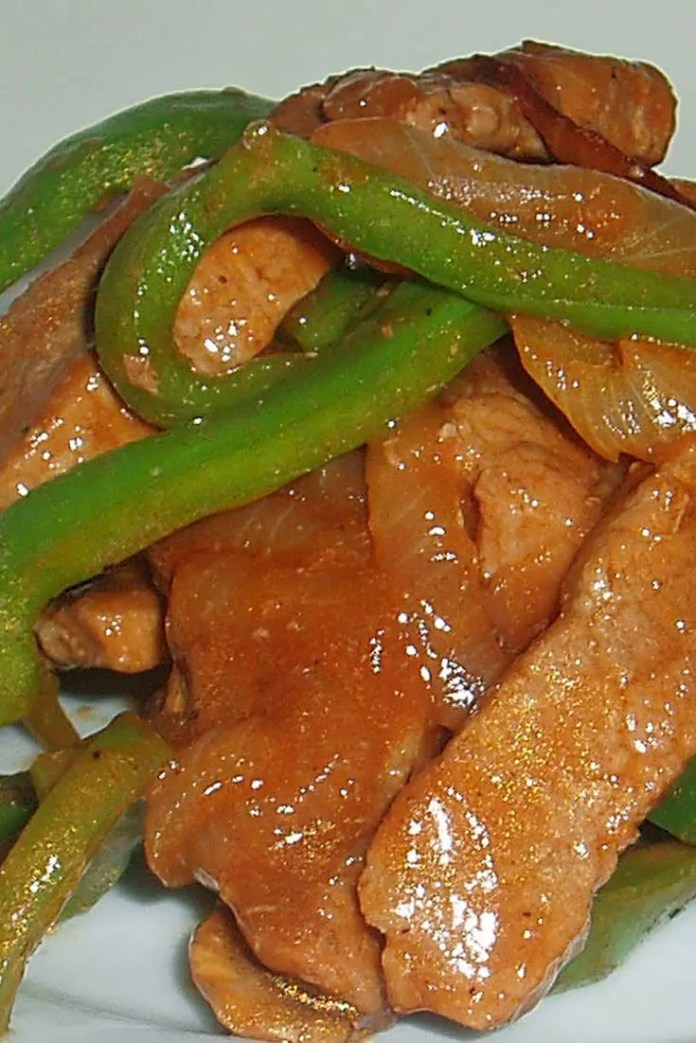 Strips of beef and peppers are stir fried to create a delicious main dish, ready in no time! I love stir fried anything, and this pepper steak is always a huge hit! #beef #dinnerideas