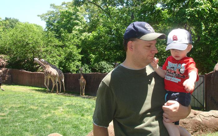 dad and baby at zoo
