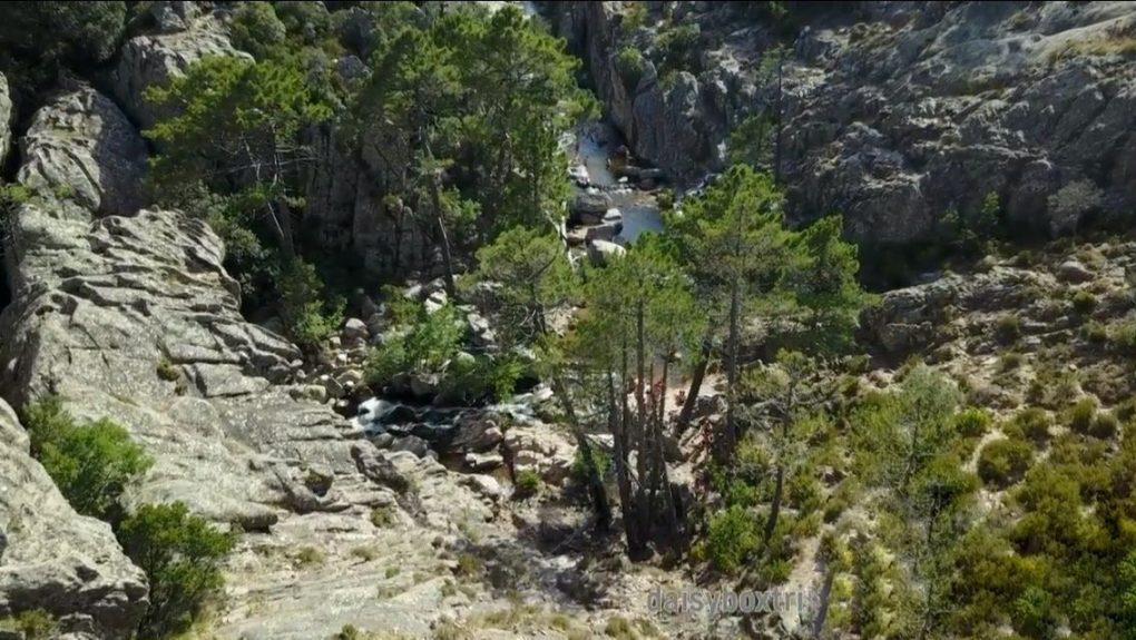 cascade Piscia di u Ghjàddicu (en corse)