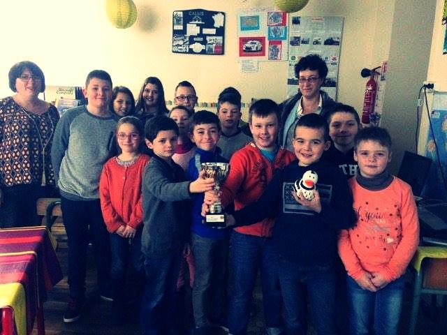 Les élèves ont remporté une coupe dans la catégorie scolaire lors du concours de la Truite du Ridor