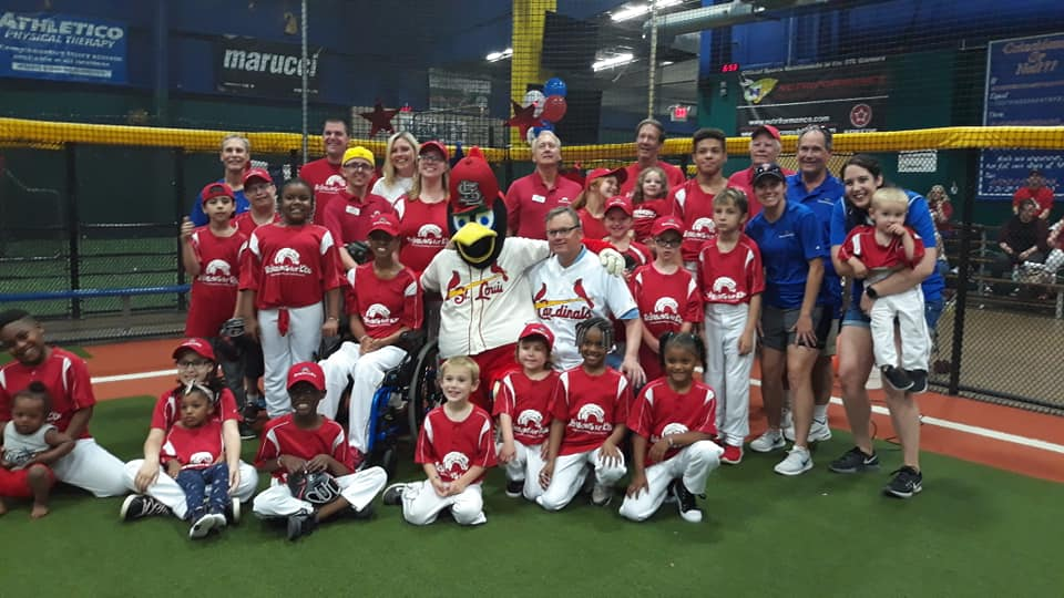 Team pic with Shildt, Fredbird 2019.jpg