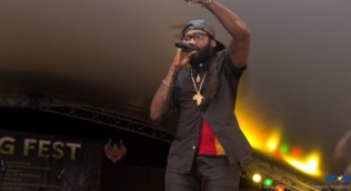 Jamaican reggae sensation Taurus Riley revved up the crowd.
