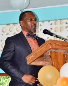 Dugard RC Combined School alumnus Troy Nestor, delivering the feature address at the school's anual awards ceremony
