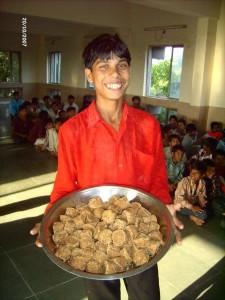 Schüler mit Essen