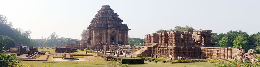 https://upload.wikimedia.org/wikipedia/commons/thumb/6/60/Konark_Temple_Panorama2.jpg/1200px-Konark_Temple_Panorama2.jpg