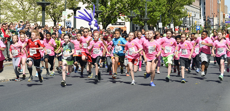 Start of 2016 St. Luke's Youth Run