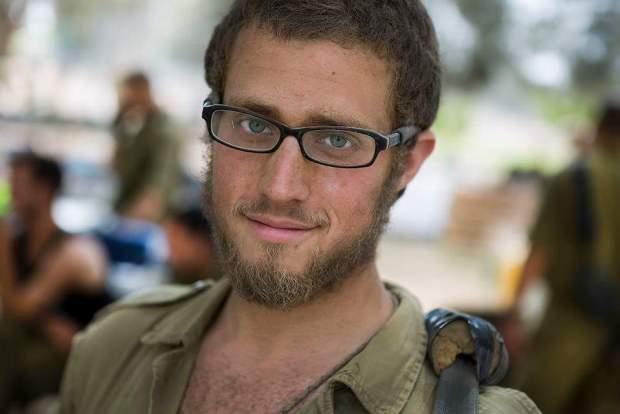Уже год после увольнения из ЦАХАЛа солдат-одиночка не может добиться выплаты причитающихся ему денег. Фото: The Times of Israel