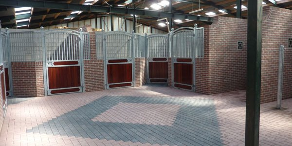 Bouwbedrijf Stobbe & Simon | Nieuwbouwproject paardenstallen Vikarienweg, Putten