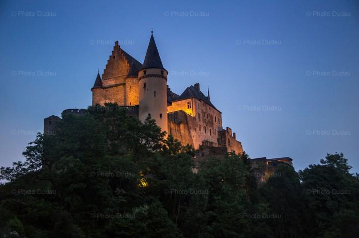 vianden castle night