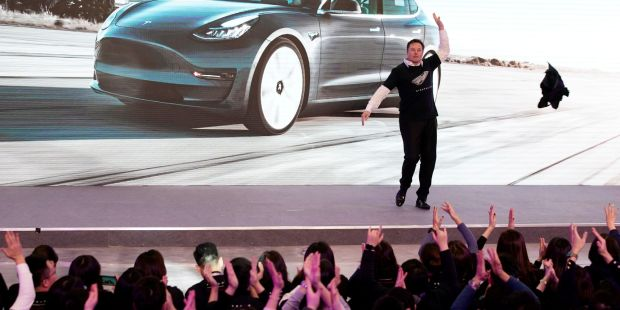 Tesla stock is getting drilled, falls below price it entered the S&P 500