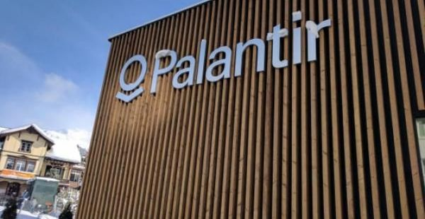 Mike Khouw Sees Unusual Options Activity In Palantir