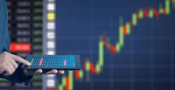 3 Bullish Tech Stocks For Technical Traders Going Into The Week