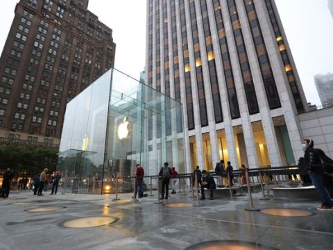 Apple Raised Its Dividend. Here Are 7 Other Stocks That Did Too.